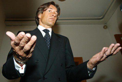 Der ehemalige Finanzminister Karl-Heinz Grasser macht mit seiner Firma gute Geschäfte.  Foto: AP