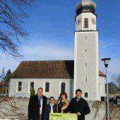 Agrar Meiningen übergibt Spende für Taifun-Opfer