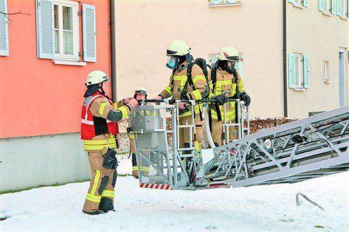 Die Feuerwehr rückte mit 32 Mann zum Einsatz an. Foto: Rauch