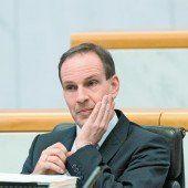 Paukenschlag Landtag liefert FP-Egger aus /A5