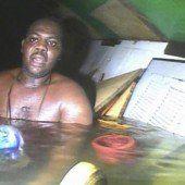 Mann überlebt 60 Stunden unter Wasser