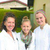 Ländle-Schülerinnen bei Dr. Renner in Äthiopien