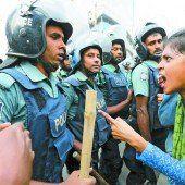 Demonstranten rebellieren gegen Polizei