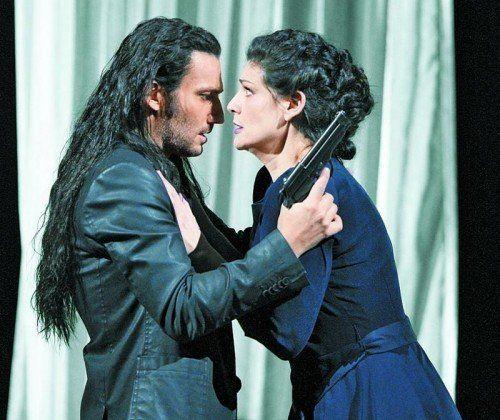 Gefeiert: Anja Harteros und Jonas Kaufmann.  Foto: Oper/Hösl