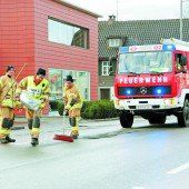 Undichte Wanne hält Feuerwehren auf Trab
