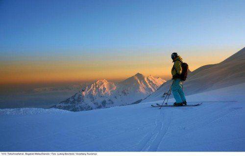 Mit dem Tiefschneefahren heißt es teilweise noch Bitte warten auf die nächsten Schneefälle. Foto: V-Tourismus