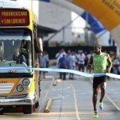 Usain Bolt gewann in Buenos Aires einen Wettlauf gegen einen Bus