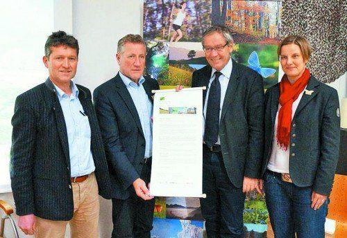 Unterzeichneten die Deklaration (v. l.): Herbert Erhart, Erich Schwärzler, Karlheinz Rüdisser und Ruth Swoboda.  Foto: Sergej Kreibich