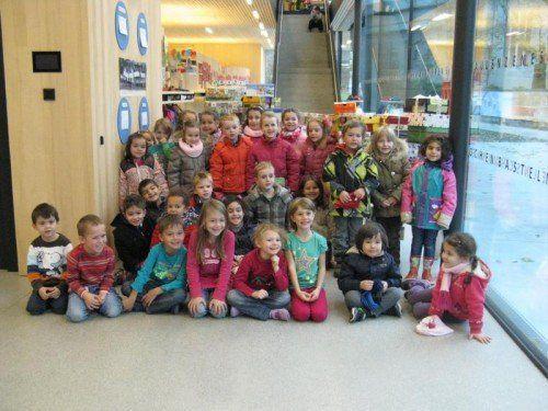 """Viele Kindergartenkinder haben fleißig für """"Weihnachten im Schuhkarton"""" gewerkt.  Foto: Gemeinde"""