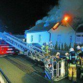 Haus brannte, während Bewohner Ferien machten