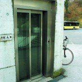 Kleines Geschäft im Aufzug erregt die Gemüter