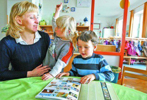 Die Familienbeihilfe wird erhöht. Bei Schulpflichtigen soll gleichzeitig aber das Schulstartgeld fallen. Foto: APA