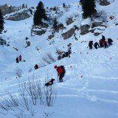 Warth: Großeinsatz wegen verlorener Skier