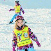 Zur Sicherheit Mehr Nachfrage bei Skihelmen /B1