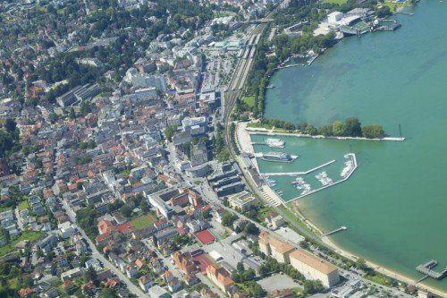 Egon Dünser befürchtet Entwicklungen wie am Zürichsee, vor allem, was den Preis der Grundstücke anlangt. Foto: VN/Paulitsch
