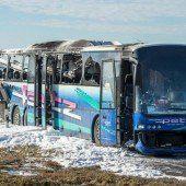 Schulbus brannte komplett aus