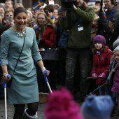 Kronprinzessin Victoria auf Tuchfühlung mit Fans