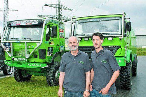 Erlitt einen ähnlichen Schicksalsschlag wie Michael Schumacher: Truck-Offroad-Pilot Michael Kotterer, hier mit seinem Vater Dietmar. Foto: manfred noger