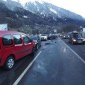 Schruns: Fünf Pkw bei Unfall beschädigt