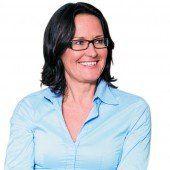 Eva Glawischnig ruft zum zivilen Widerstand auf /A4