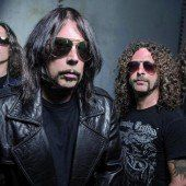 Monster-Hymnen mit Monster Magnet