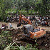 Indonesien: Erdrutsche fordern viele Opfer