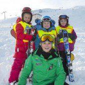Das Skifahren mit Spiel und ganz viel Spaß erlernen
