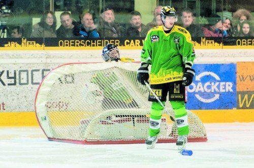 Lustenau-Goalie Heikki Tuomisto hat die Torsperre gegen Eppan schon aufgebaut. Foto: stiplovsek