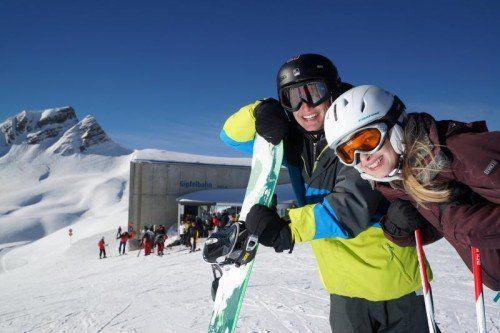 Man könne auch beim Wintersport mit einer guten Strategie günstig Urlaub machen, beteuert Tourismussprecher Hans Schenner. Im Bild: Skigebiet Mellau Damüls.  Foto: VN/Berchtold