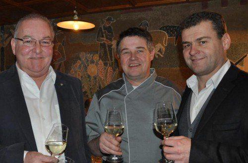 Weinhändler Egon Haueis, Karren-Wirt Walter Nöckl und Winzer Gerhard Markowitsch boten einen genussreichen Abend. Fotos: Fitz