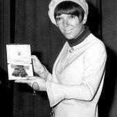 Minirock-Erfinderin Mary Quant feiert Geburtstag