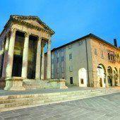 Pulsierende Stadt mit römischen Denkmälern