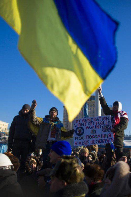 Die anhaltenden Proteste trugen ihren Teil zur Abstufung bei.  rts