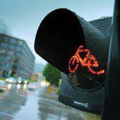Signallampen und weiterer Spiegel für mehr Sicherheit