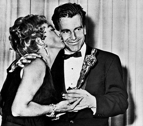 Joan Crawford überreichte ihm 1962 den Oscar.  Fotos: AP