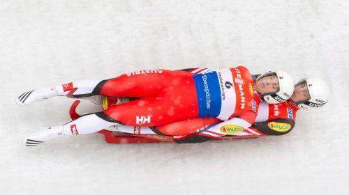 Zum Saisonstart wartet auf Thomas Steu (vorne) und Lorenz Koller Ende November der Heimweltcup in Innsbruck-Igls. Foto: gepa