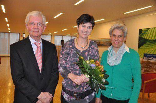 Referentin Elisabeth Getzner (Mitte) mit Obmann Hans Mayr und Stellvertreterin Martha Rödhammer. Foto: cm