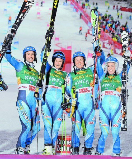 Schweden jubelte beim Weltcup-Teambewerb: Markus Larsson, Anna Swenn-Larsson, Mattias Hargin, Maria Pietilä-Holmner. Foto: apa