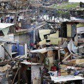 Taifun-Opfer warten weiterhin auf Hilfe