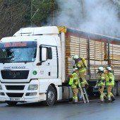 Lkw ließ auf Autobahn ordentlich Dampf ab