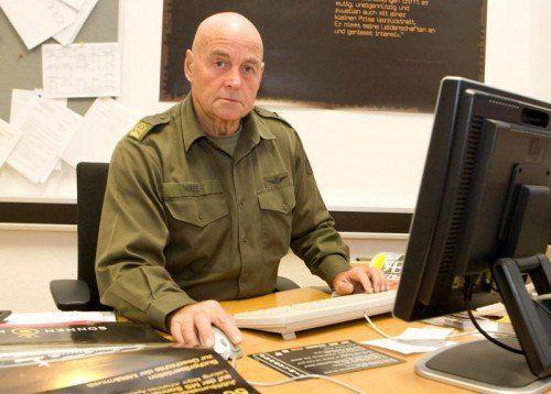Als Presseoffizier in der Kaserne Bregenz.  Foto: VN/Paulitsch