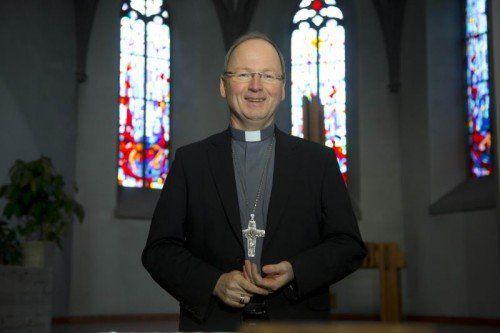 """Bischof Benno: """"Die Raupe weiß nichts vom Schmetterling."""""""