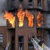 Zwei Feuermänner bei Brand getötet