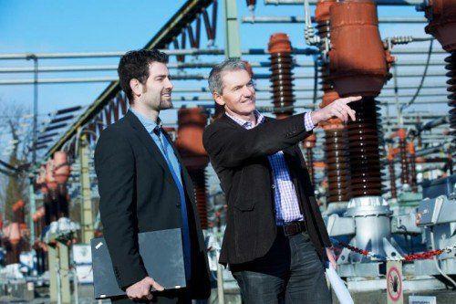 Christian Elbs (li.) trägt große Verantwortung beim heimischen Stromversorger.