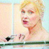 Vivienne Westwood duscht für Vegetarismus