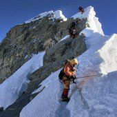 Leitern auf den Mount Everest