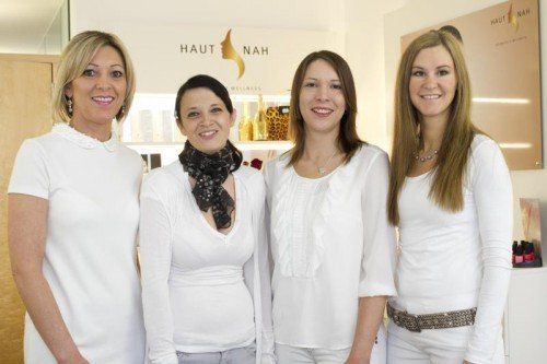 Eröffnungs-Freude für Edith Fetz, Sabrina Wildroither, Bernadette und Miriam Fetz (v. l.). Fotos: franc
