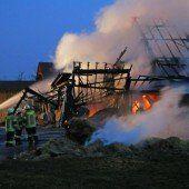 Vollbrand erfordert Feuerwehr-Großeinsatz