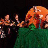 Blühend-musikalisches Puppentheater