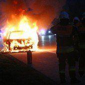 Pkw auf der A 14 ausgebrannt